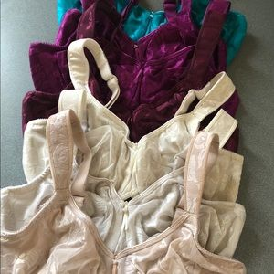 Lot of 7 Wacoal Bra's 34dd